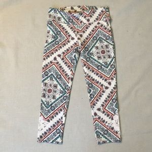 O'neill leggings, small, with lace detail.
